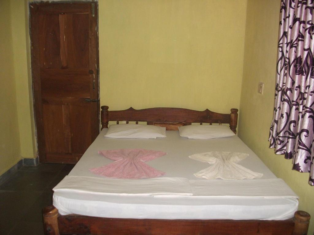 Shalom Guest House in Goa - Room Deals, Photos & Reviews