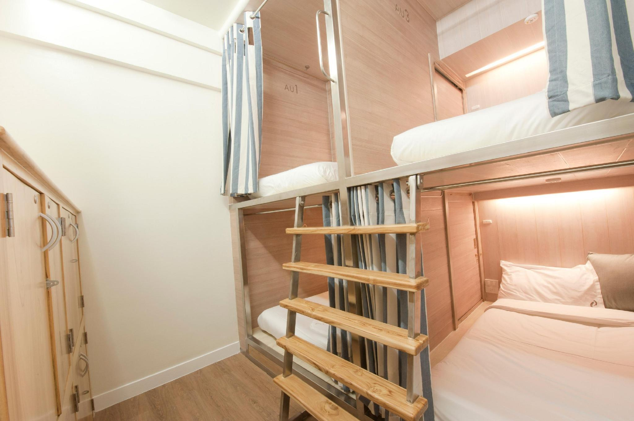 Private 4-Bunk Beds Room