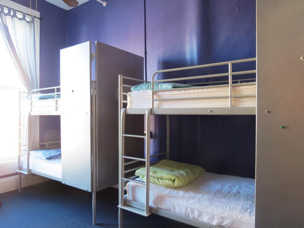 1 Person in 4-Bed Dormitory - Mixed - Room plan USA Hostels San Diego