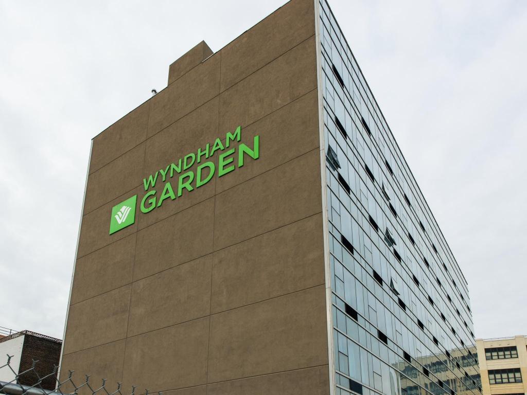 Best Price On Wyndham Garden Long Island City Manhattan View Hotel In New York Ny Reviews