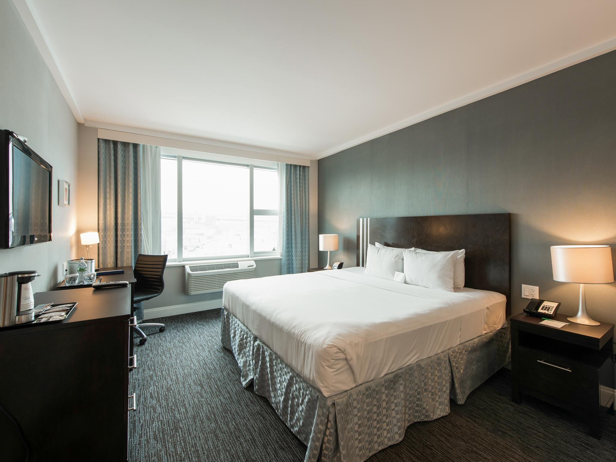 Das Wyndham Garden Long Island City Manhattan View Hotel In New York Ny Buchen
