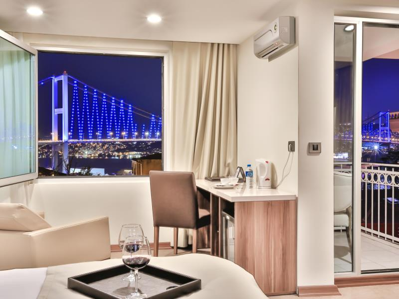 Deluxe Room with Bosphorus View