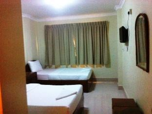 Kamar Twin dengan Kipas Angin (Twin Fan Room)