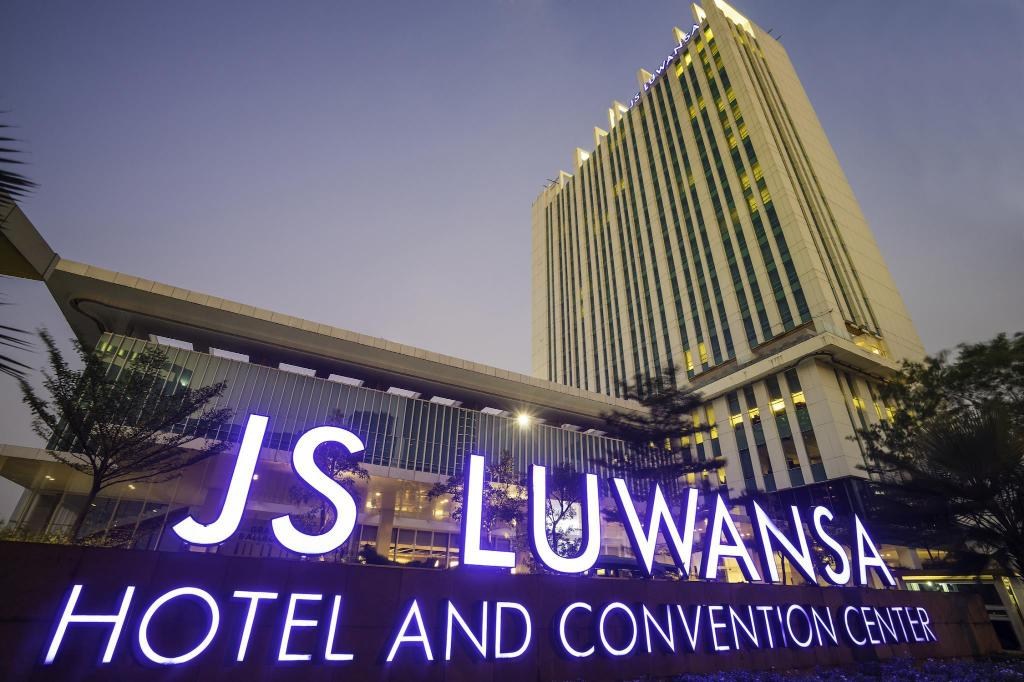 Js Luwansa Hotel Convention Center In Jakarta Room Deals Photos Reviews