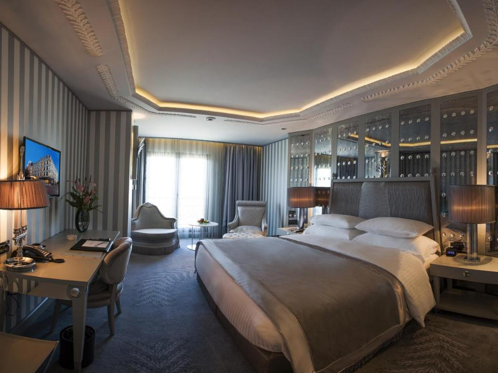 Deluxe Double or Twin Room with City View - Guestroom Wyndham Grand Istanbul Kalamis Marina Hotel