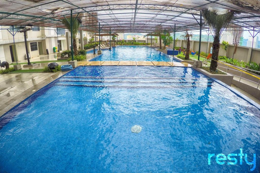 Best price on horizons 101 cebu in cebu reviews - Diamond suites cebu swimming pool ...