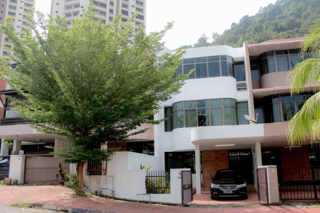 Rumah 350 M² Dengan 3 Bilik Tidur Dan Mandi Peribadi Di Batu Ferringhi