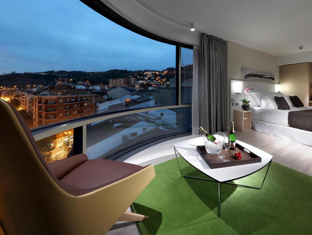 best price on barcelo bilbao nervion hotel in bilbao reviews. Black Bedroom Furniture Sets. Home Design Ideas