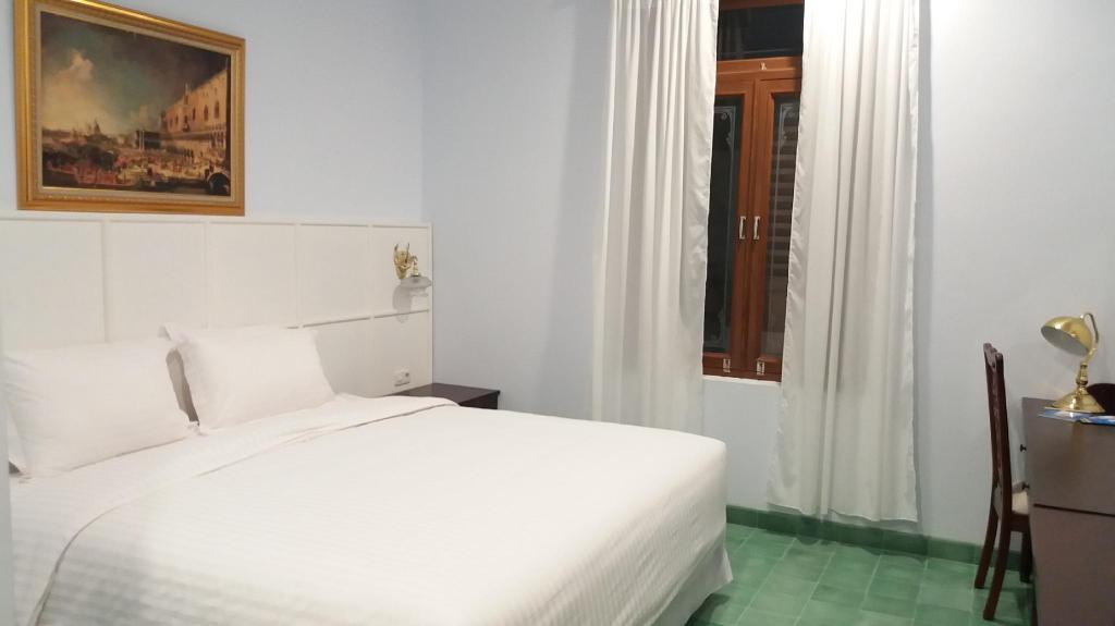 Superior Room - Bedroom