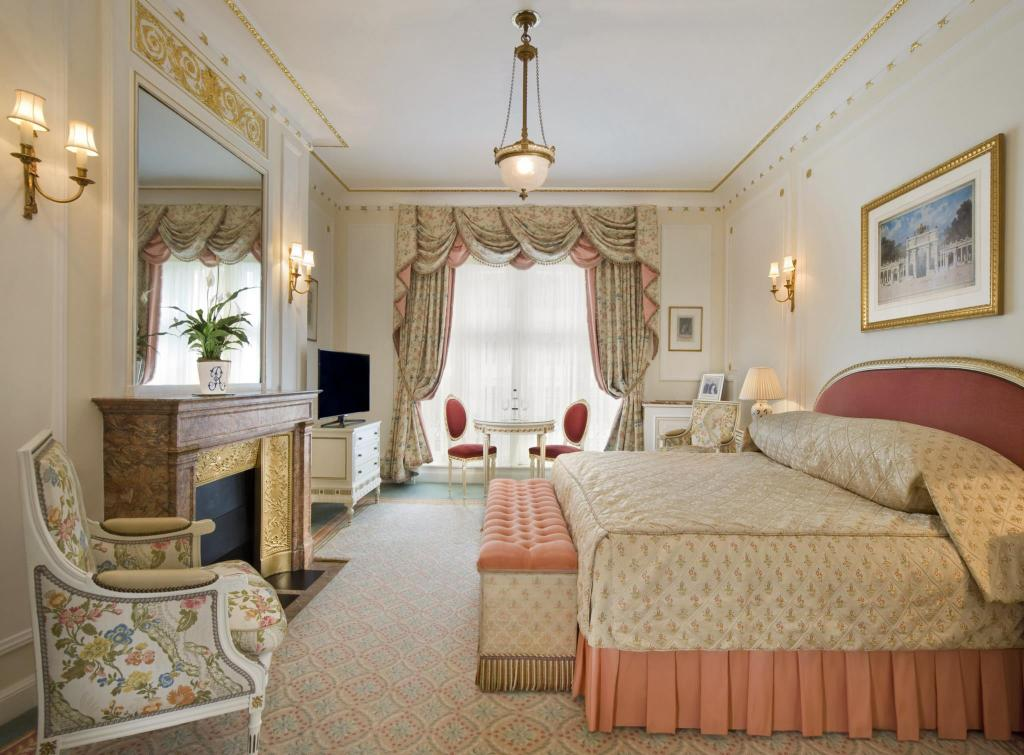 Superior King Room or Twin Room - Guestroom The Ritz London Hotel