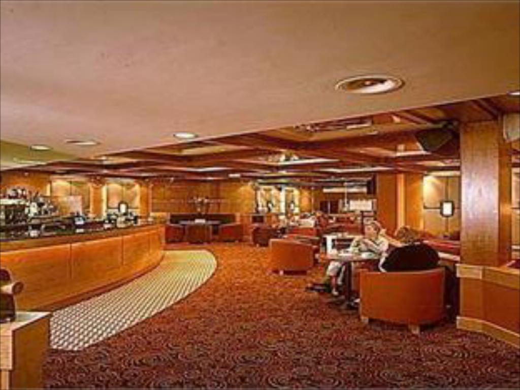 Лоби Best Western Palace Hotel & Casino