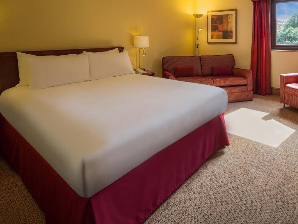 Double Hilton Guest Room - Bed Hilton Warwick/Stratford-upon-Avon