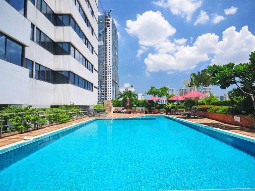 Swimming pool [outdoor] Grand President Hotel Bangkok