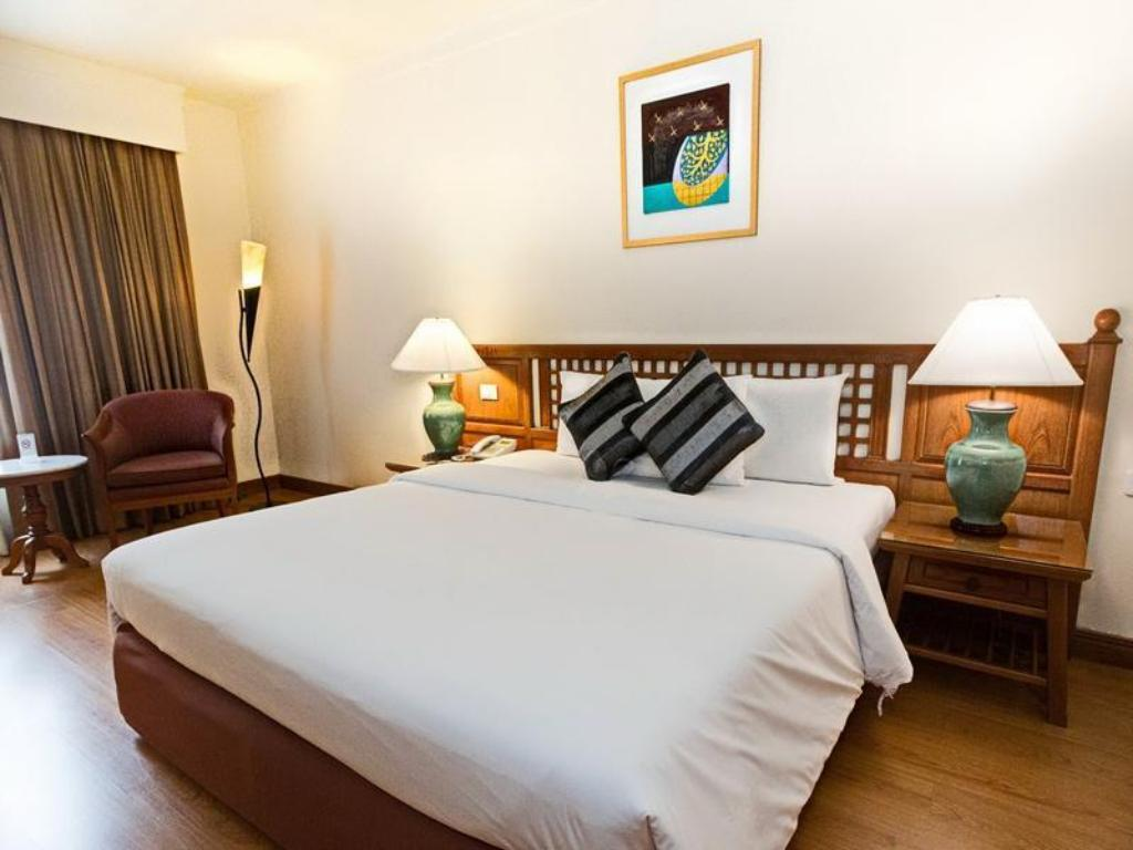 Superior Double Bed Room - Pat Silom Serene Hotel