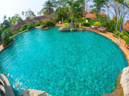 Swimming pool [outdoor] Golden Pine Resort and Spa