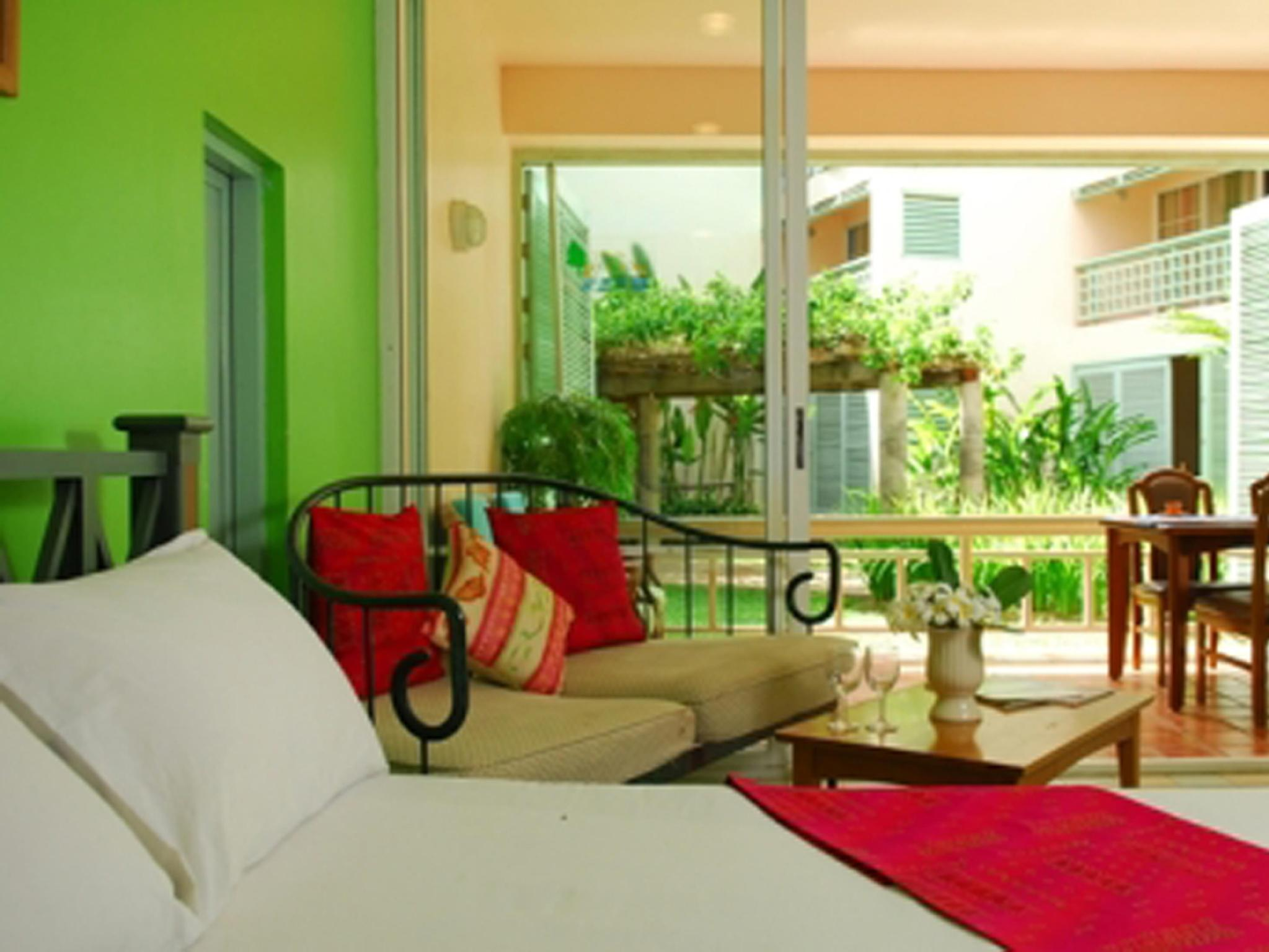 Best Price on Chom View Hotel in Hua Hin / Cha-am + Reviews