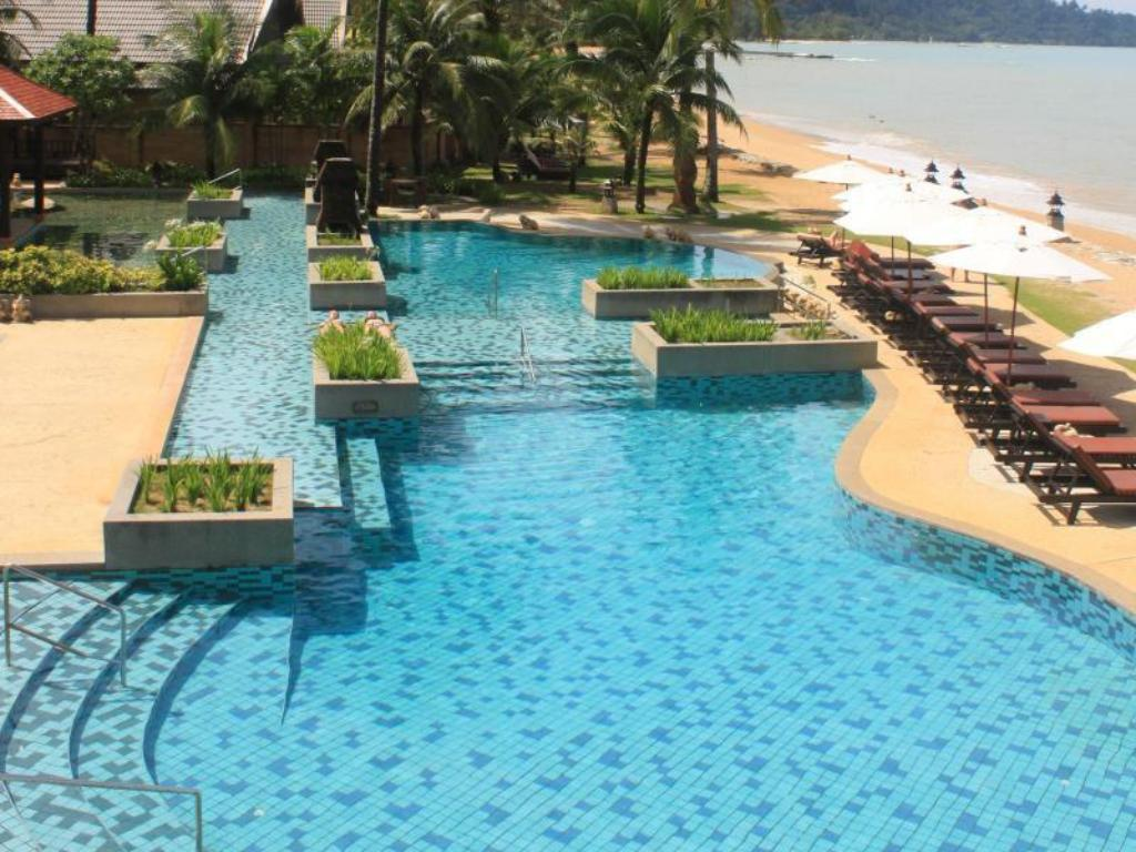 Swimming pool Mukdara Beach Villa & Spa Hotel