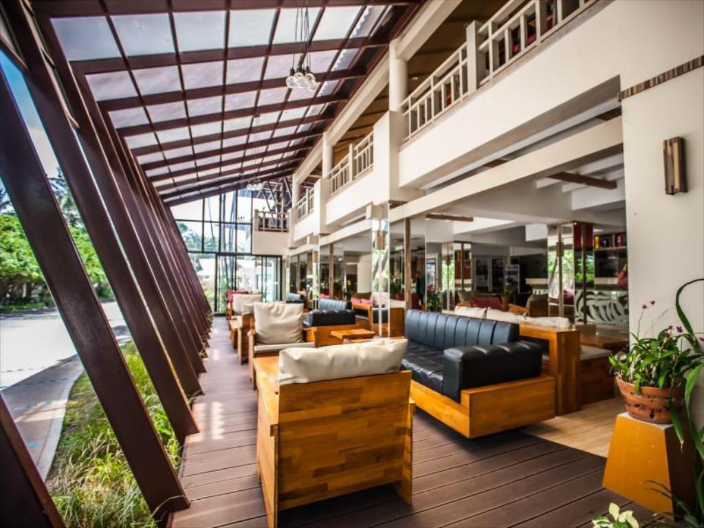 Lobby Natural Park Resort