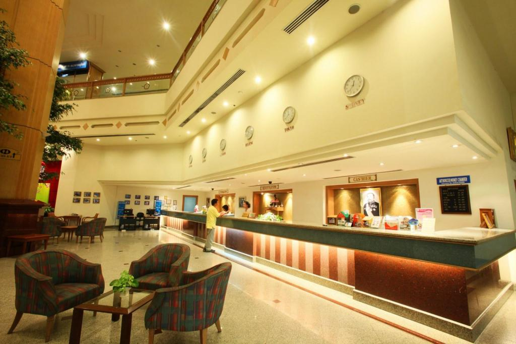 More about Thumrin Thana Hotel