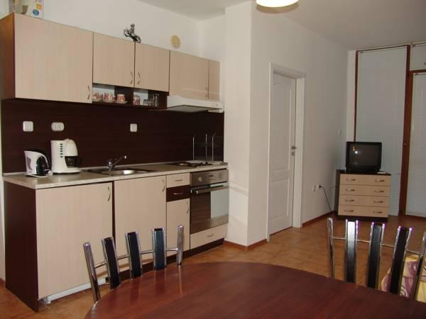 Appartement met 1 Slaapkamer en Balkon (2 Volwassenen + 1 Kind)  (One-Bedroom Apartment with Balcony (2 Adults + 1 Child) )