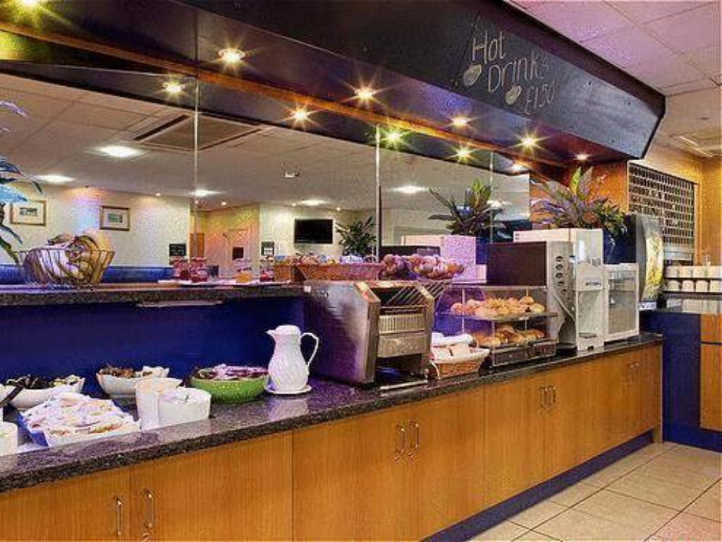 自助餐/Buffet 珀斯智選假日飯店 (Holiday Inn Express Perth)