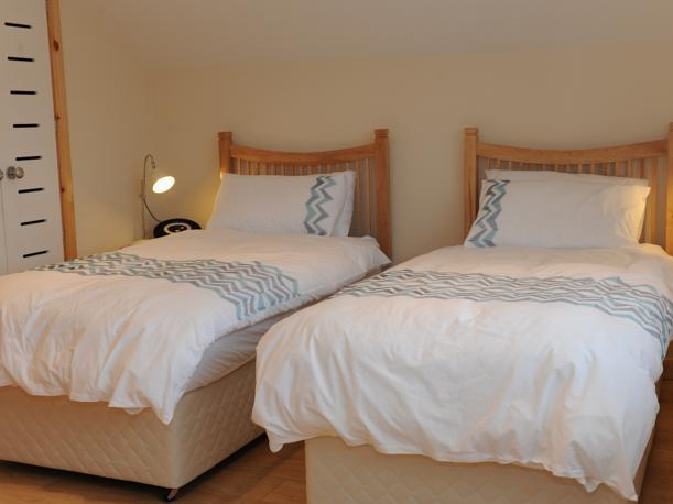 Twinkamer (2 aparte bedden) met eigen badkamer (Twin Room with Private Bathroom)