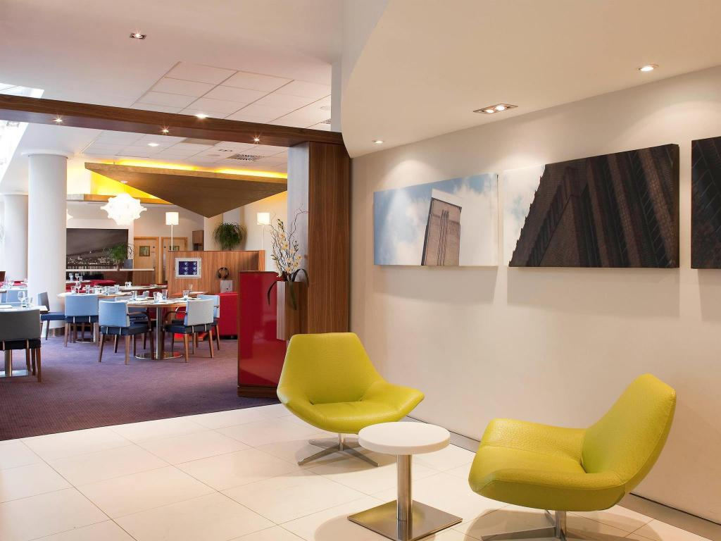 Interior view Novotel London City South Hotel