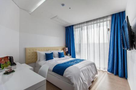 Studio Double - Bed Bluespring boutique hotel