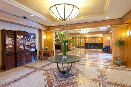 Lobby Martinique New York on Broadway, Curio Collection by Hilton