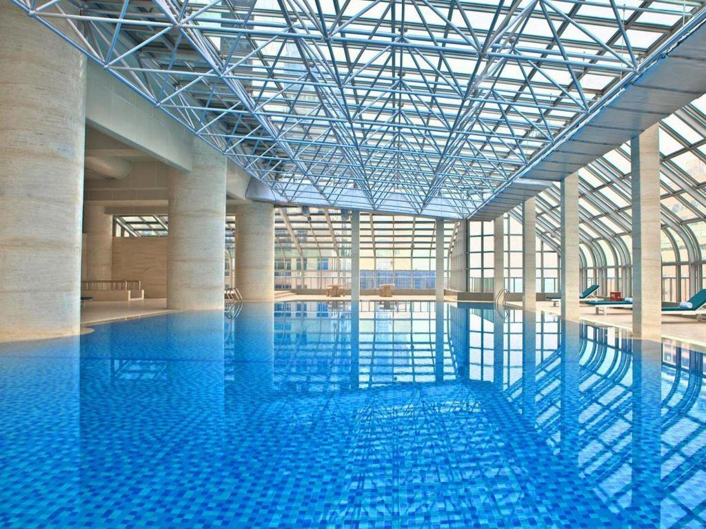Swimming pool Sheraton Nanjing Kingsley Hotel & Towers