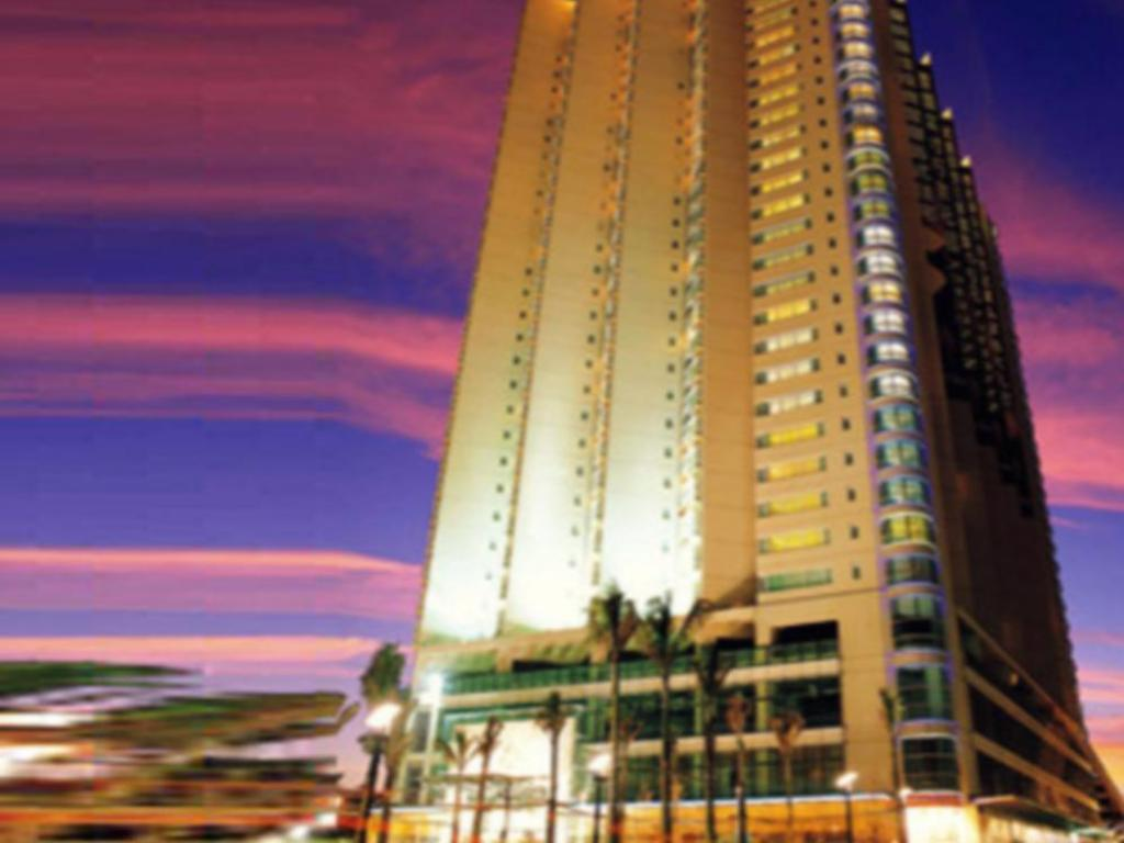 Royal Suites and Towers Hotel in Shenzhen - Room Deals, Photos & Reviews