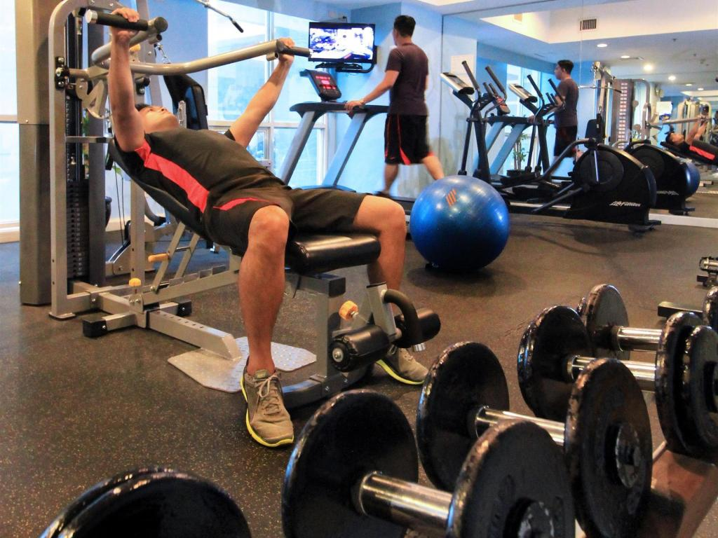 Fitness center Best Western Oxford Suites Makati