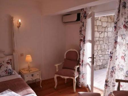 Deluxe Double Room with Balcony Sari Gelin Alacati Hotel
