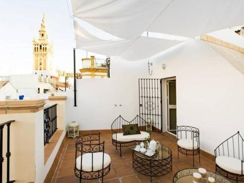 Puerta Catedral Studios Seville Spain Photos Room Rates
