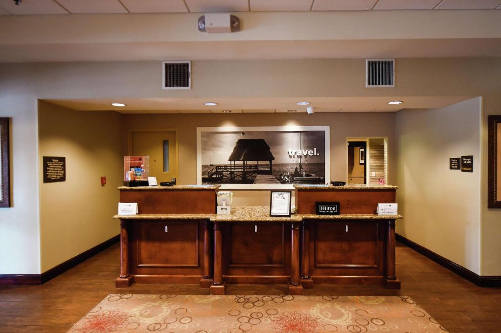 Lobby Hampton Inn and Suites Ocala Belleview