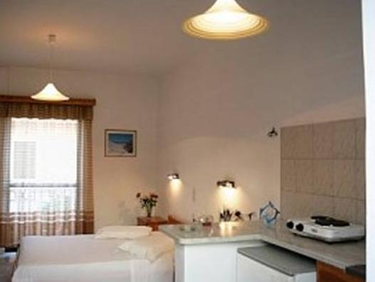 Apartament (4 Adulţi) (Apartment (4 Adults))