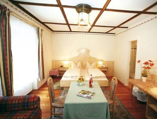 Cameră familială (2 adulţi + 1 copil) (Family Room (2 Adults + 1 Child))