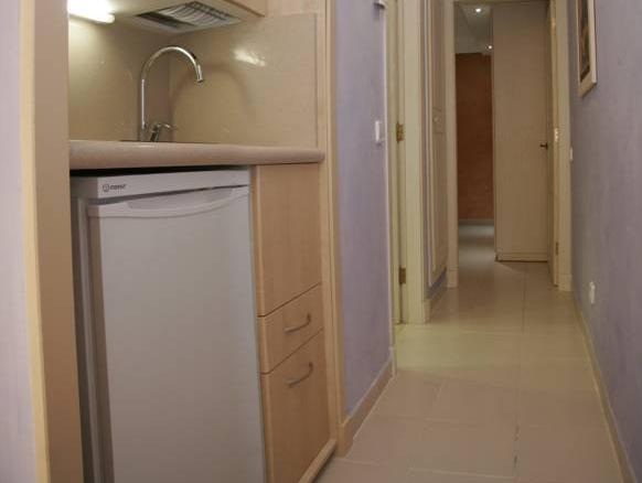 Superior One-Bedroom Apartment (2 Adults + 1 Child)