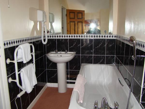 Standard Double Room with Shower Ground Floor