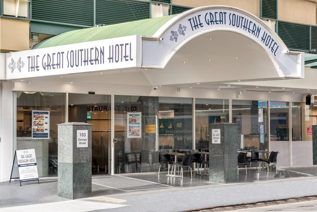 Exterior view Great Southern Hotel Brisbane