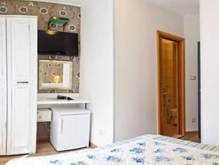 Double Room - Priora Petra Street