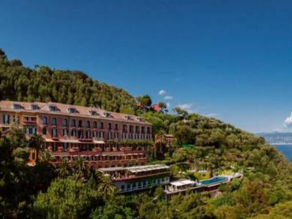More about Belmond Hotel Splendido