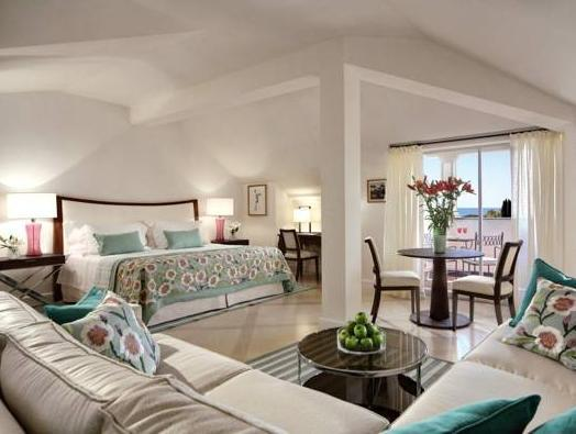 Deluxe Junior Suite with Balcony and Sea View