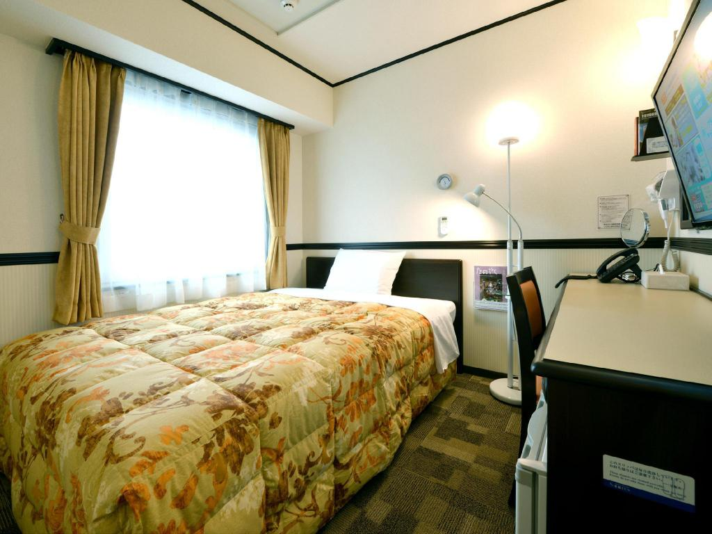 Single Room - Smoking - Bed Toyoko Inn Narita Airport Shinkan