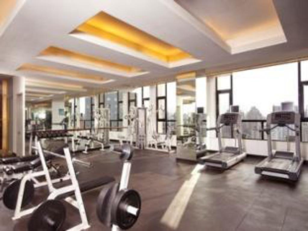 Fitness center Holiday Inn Shanghai Vista