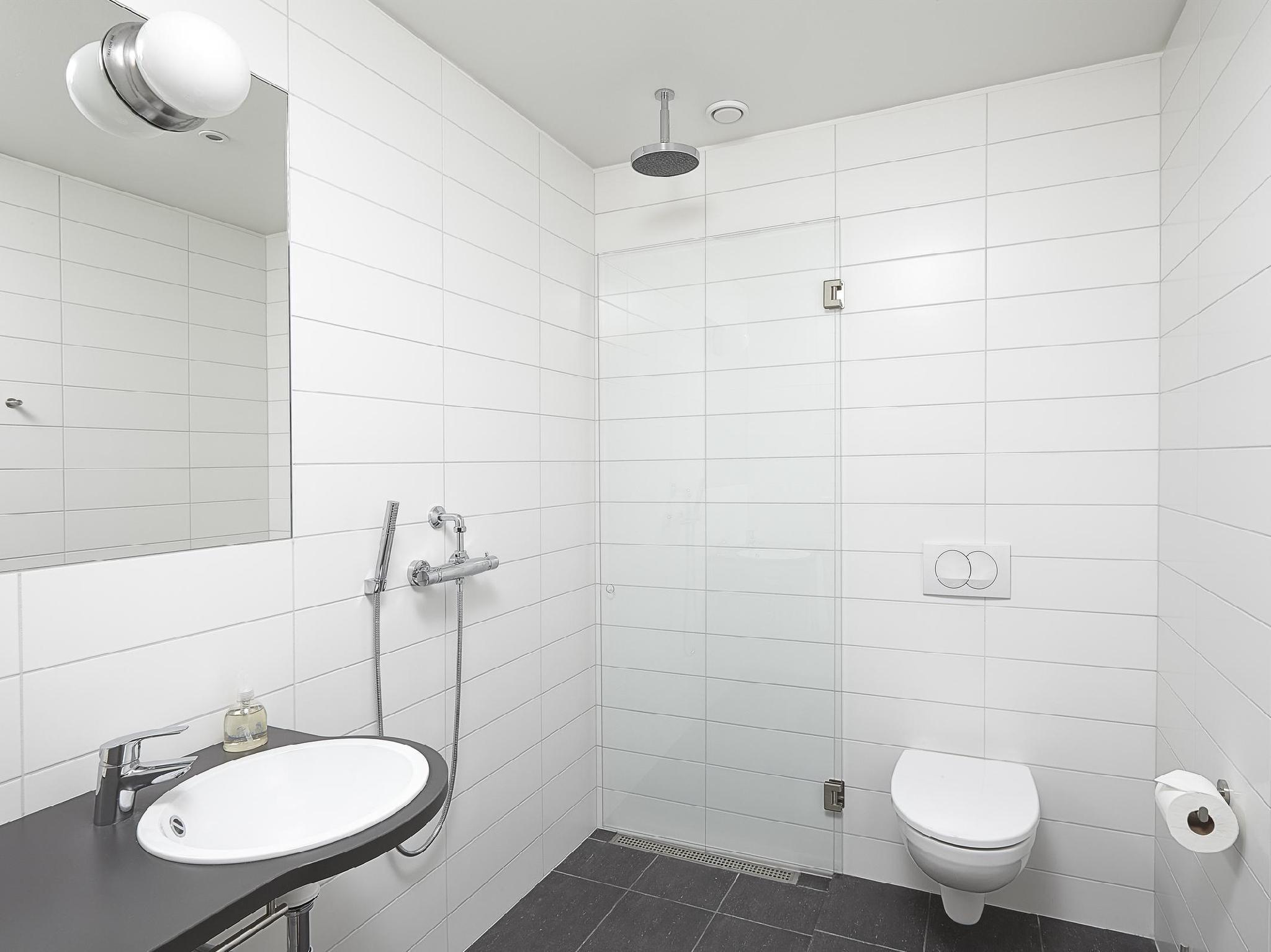 Bathroom Reykjavik Lights Hotel