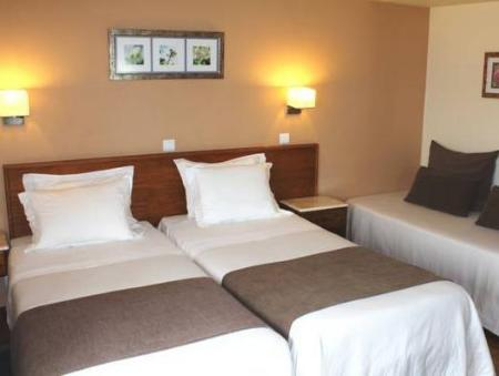 Triple Room Hotel D. Dinis