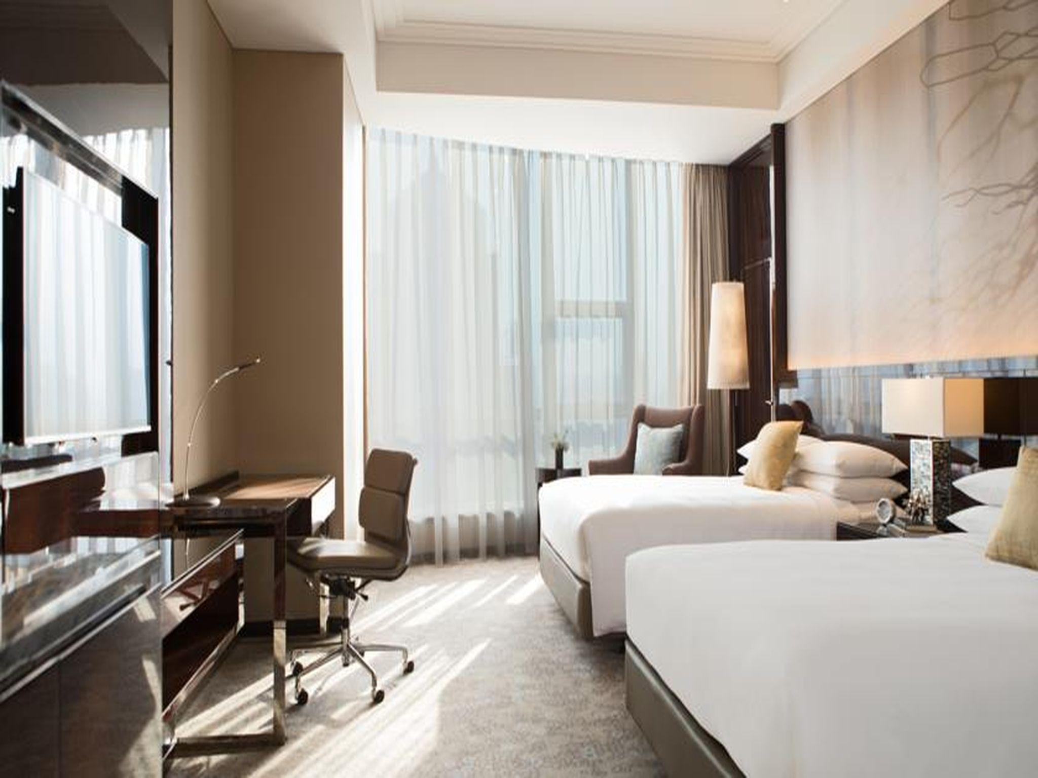 Premier Room, Larger Guest room, City view