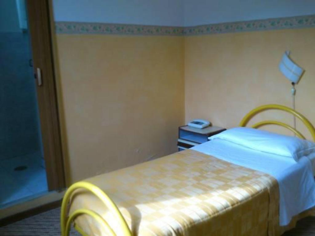 Single Room Hotel Dorico