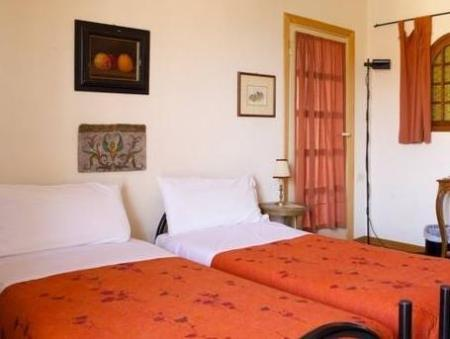 Double or Twin Room with Shared Bathroom B&B La Torre della Meridiana